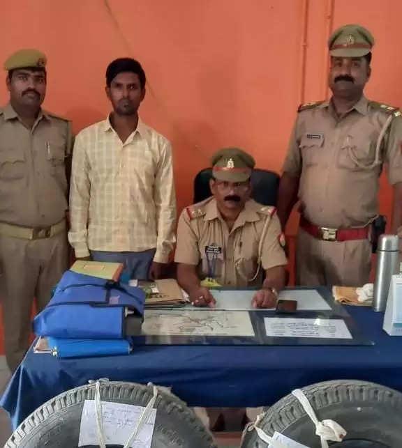 गोरखपुर में चोरी के आरोप में अभियुक्त गिरफ्तार