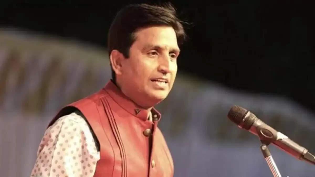 यूपी सरकार ने वापस लिए कुमार विश्वास पर दर्ज मुकदमे, राज्यपाल ने दी अनुमति