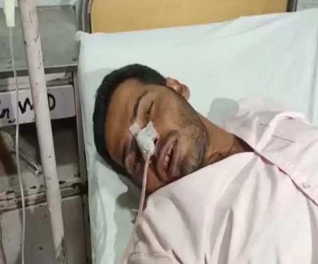 यूपी में मुख्यमंत्री आवास के बाहर युवक ने खाया जहर, सपा नेता पर लगाया आरोप