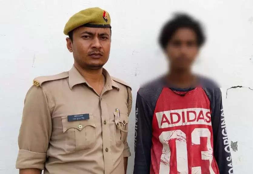 चोरी की 01 मोबाईल व आभूषण के साथ एक शातिर चोर गिरफ्तार