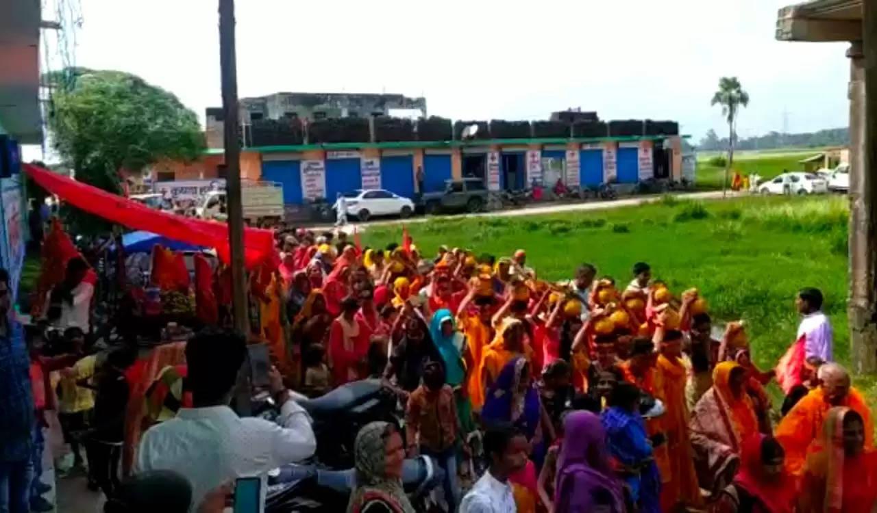 सप्त दिवसीय माँ दुर्गा के प्राण प्रतिष्ठान का मनु हॉस्पिटल पर हुआ आयोजन, निकली विशाल कलश यात्रा