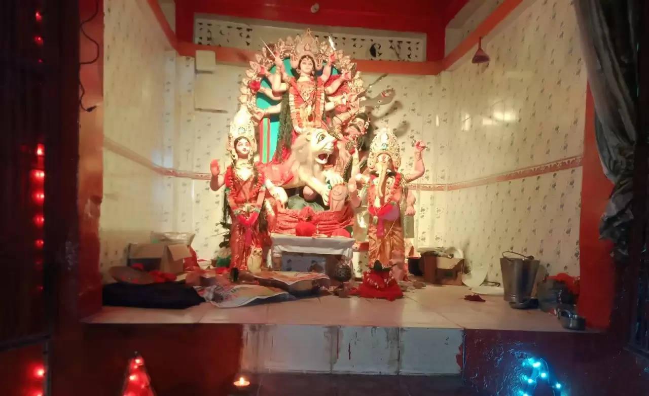 *शारदीय नवरात्र प्रारंभ,धरौली में मूर्ति स्थापित कर लोग पूजा अर्चना में जुटे