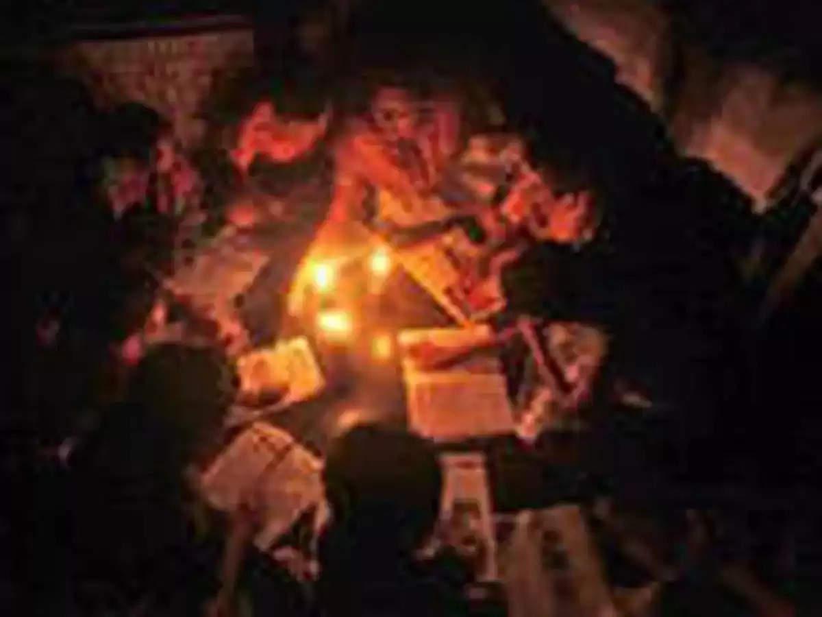 बिहार में बिजली संकट गहराया, छोटे शहरों और गांवों में 10 घंटे तक बिजली की कटौती