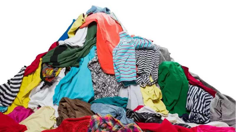 अक्सर पुराने कपड़े को या तो फेक देते है या किसी जरूरतमंद को दे देते या तो साफ सफ़ाई के लिए प्रयोग कर लेते है।vvvvvvvvvvvvvvvvvvvvvvv