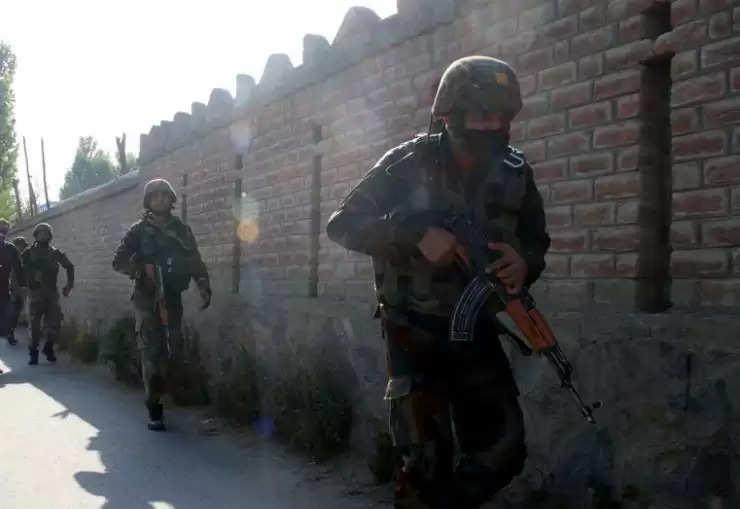 जम्मू-कश्मीर में बड़ा आतंकी हमला, सेना के 5 जवान शहीद